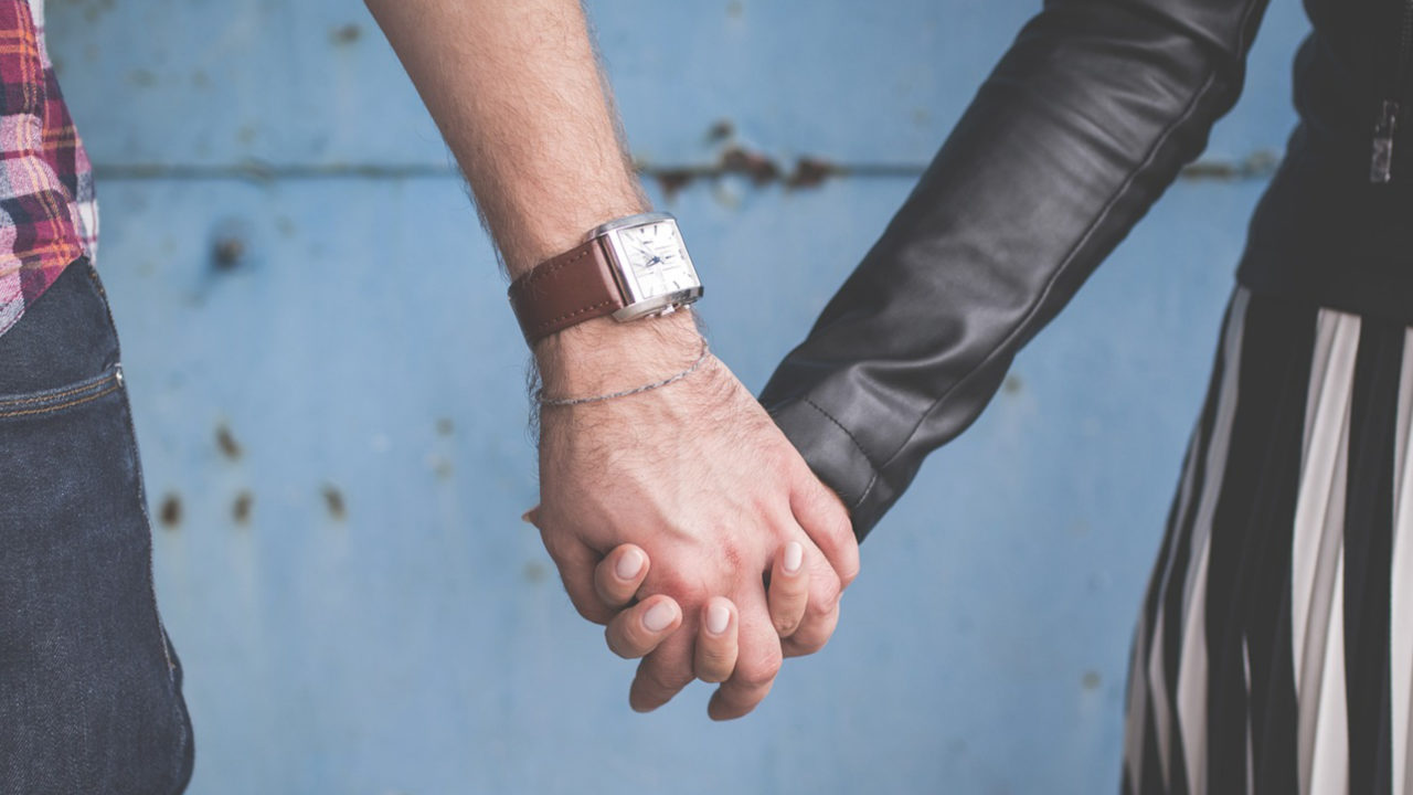 7 Romantic Ways To Make Your Man Love You More | VIANO'S BITS OF